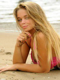 Escort Nora in Siem Reap